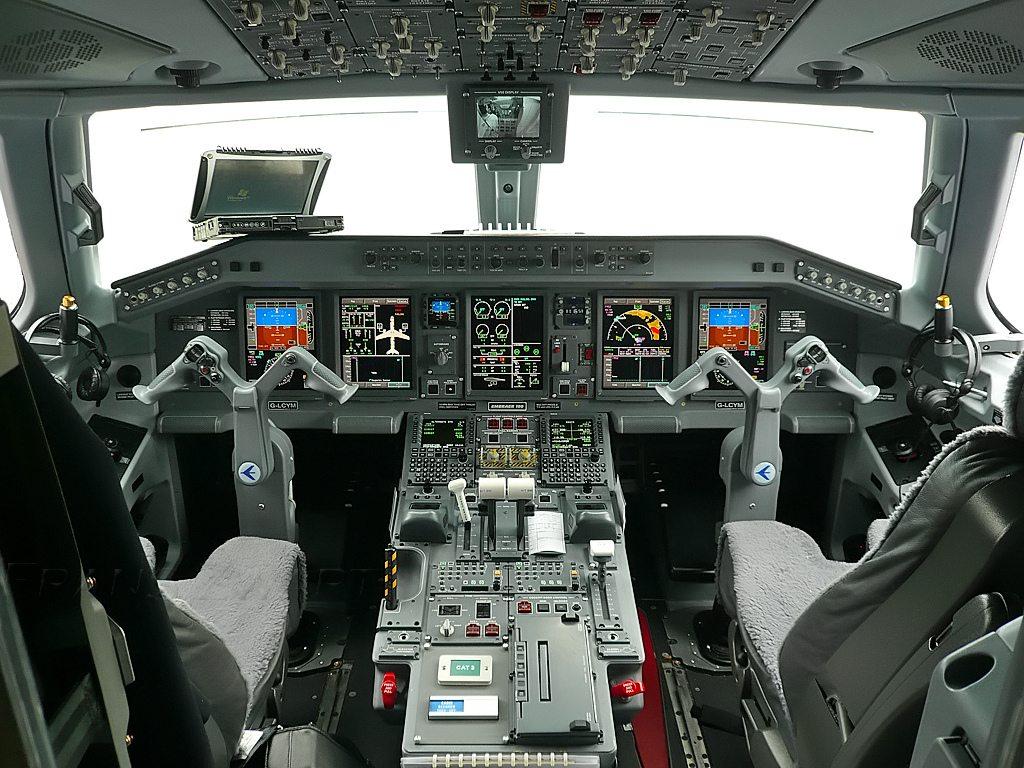 embraer cabin