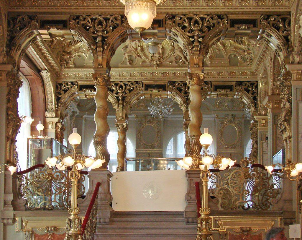 Le palais et le café de New-York